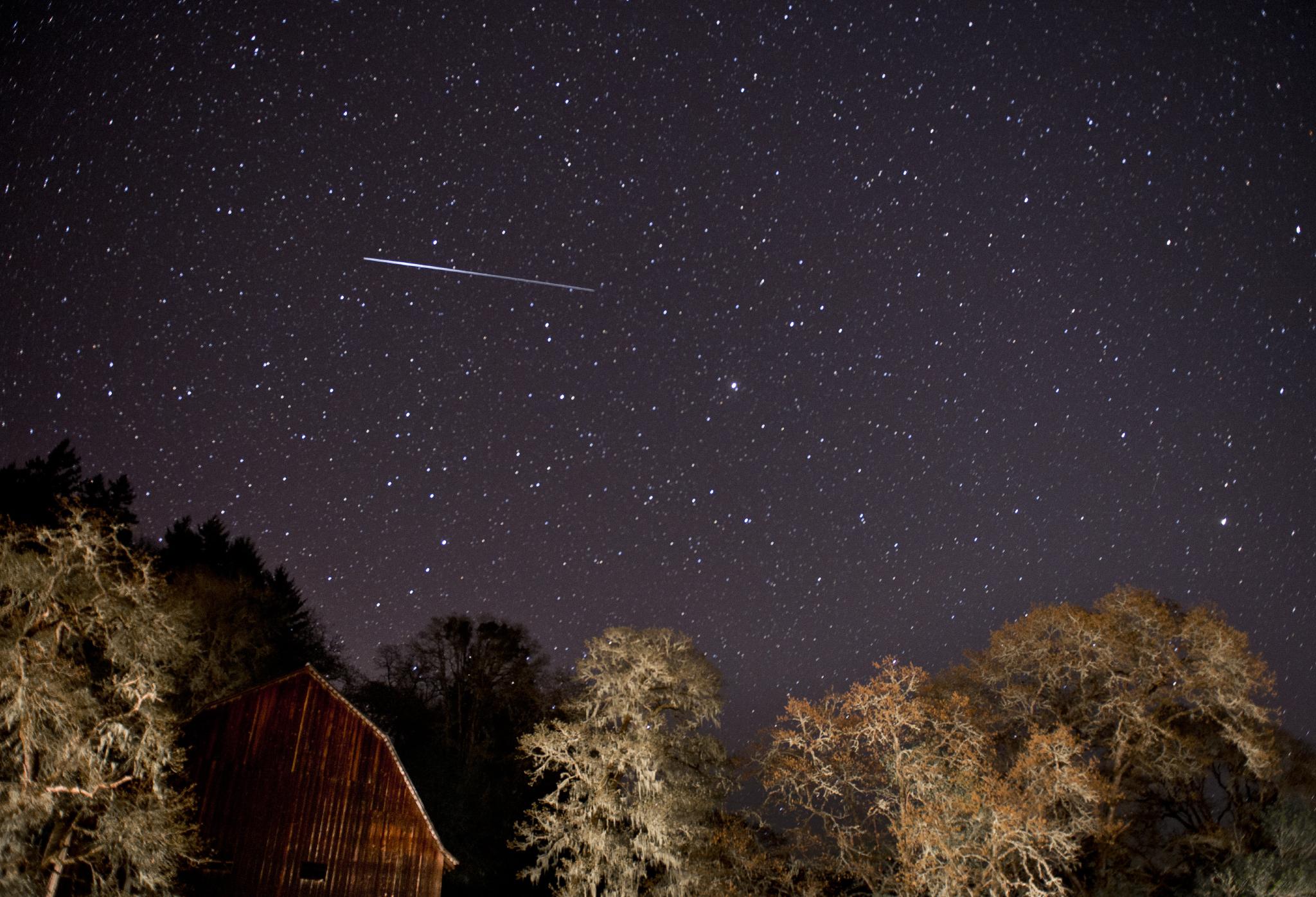Вечерва дожд од метеори ќе гo осветли небото