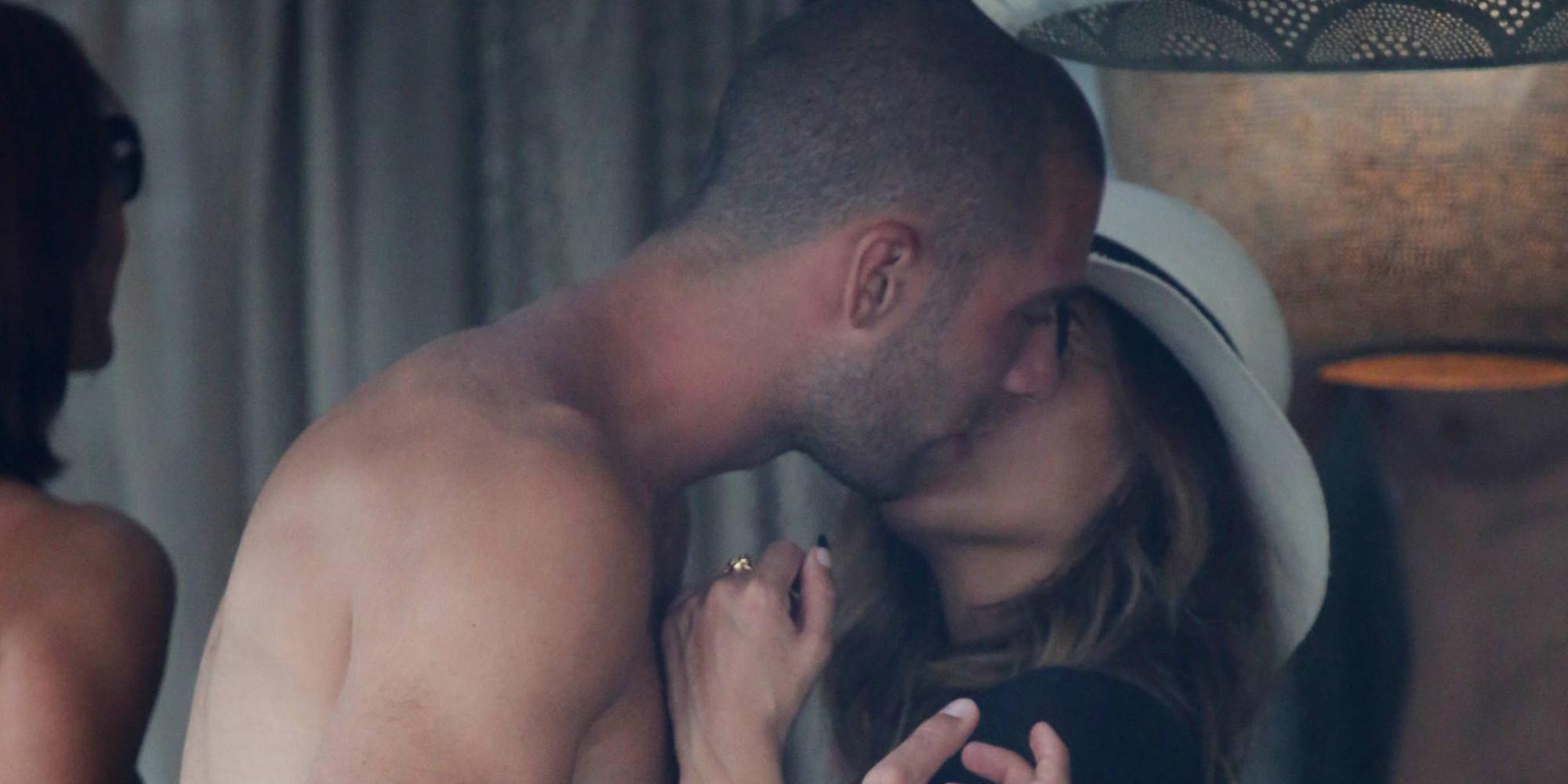 ФОТО: Никол Шерцингер се бакнува со стружанецот Пајтим Касами на остров во Грција