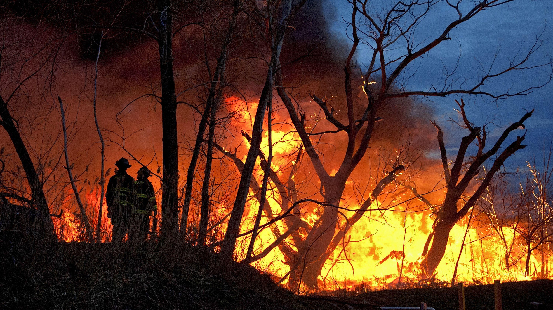 Пожари беснеат низ Балканот