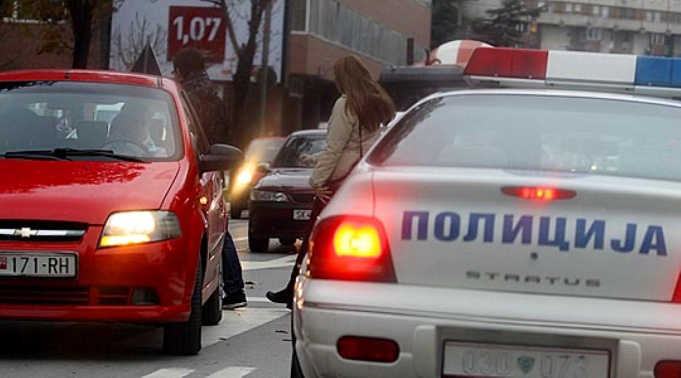 Во 15 сообраќајки вчера во Скопје 9 лица повредени, пајакот дигнал 73 возила