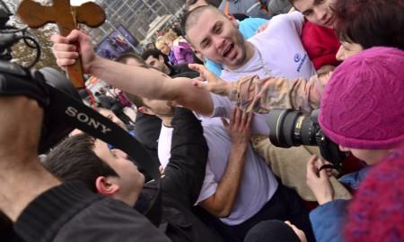 ФОТОГАЛЕРИЈА: Даниел Дончевски по четврт пат го фати крстот во Скопје!