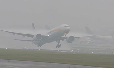 Магла на патиштата, авиосообраќајот без проблеми
