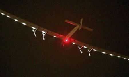 """Соларниот авион """"Сончев импулс"""" тргна на својата последна етапа од патот околу светот"""