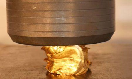 Како изгледа да се смачка златна плочка вредна 40.000 долари (ВИДЕО)