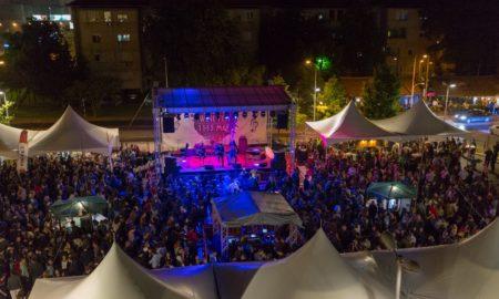 ВИНО ФЕСТ 2017: Квалитетно вино, добра музика и улични артисти пред Веро центар