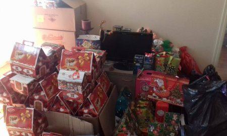 """Новогодишниот караван """"И јас сум Дедо мраз"""" на """"Проект среќа"""" израдува илјада деца низ Македонија"""