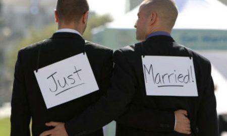 Во Русија по грешка регистриран првиот истополов брак
