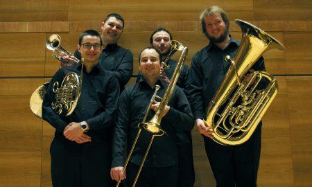 """Музика од """"Битлси"""" и """"Квин"""" на концертот на Скопски брас-квинтет"""