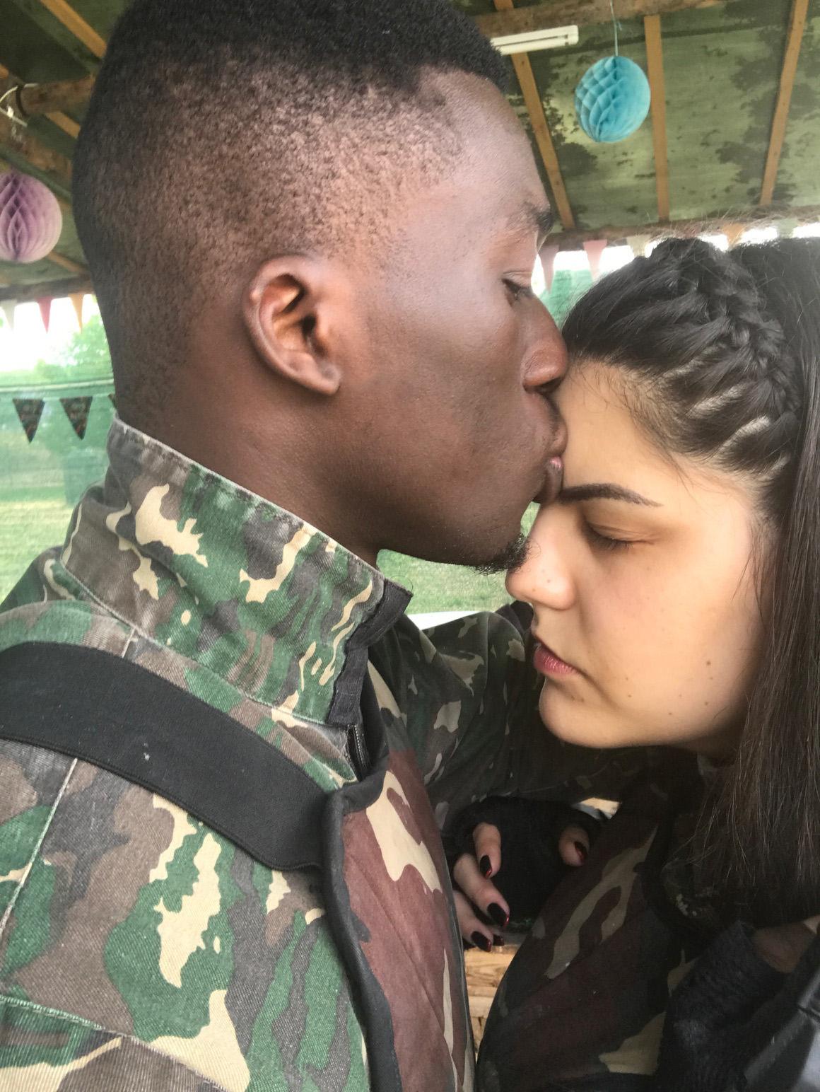 ЉУБОВ НА ДВА КОНТИНЕНТА: Маша и Коџо докажуваат дека сакањето не познава граници (ИНТЕРВЈУ)