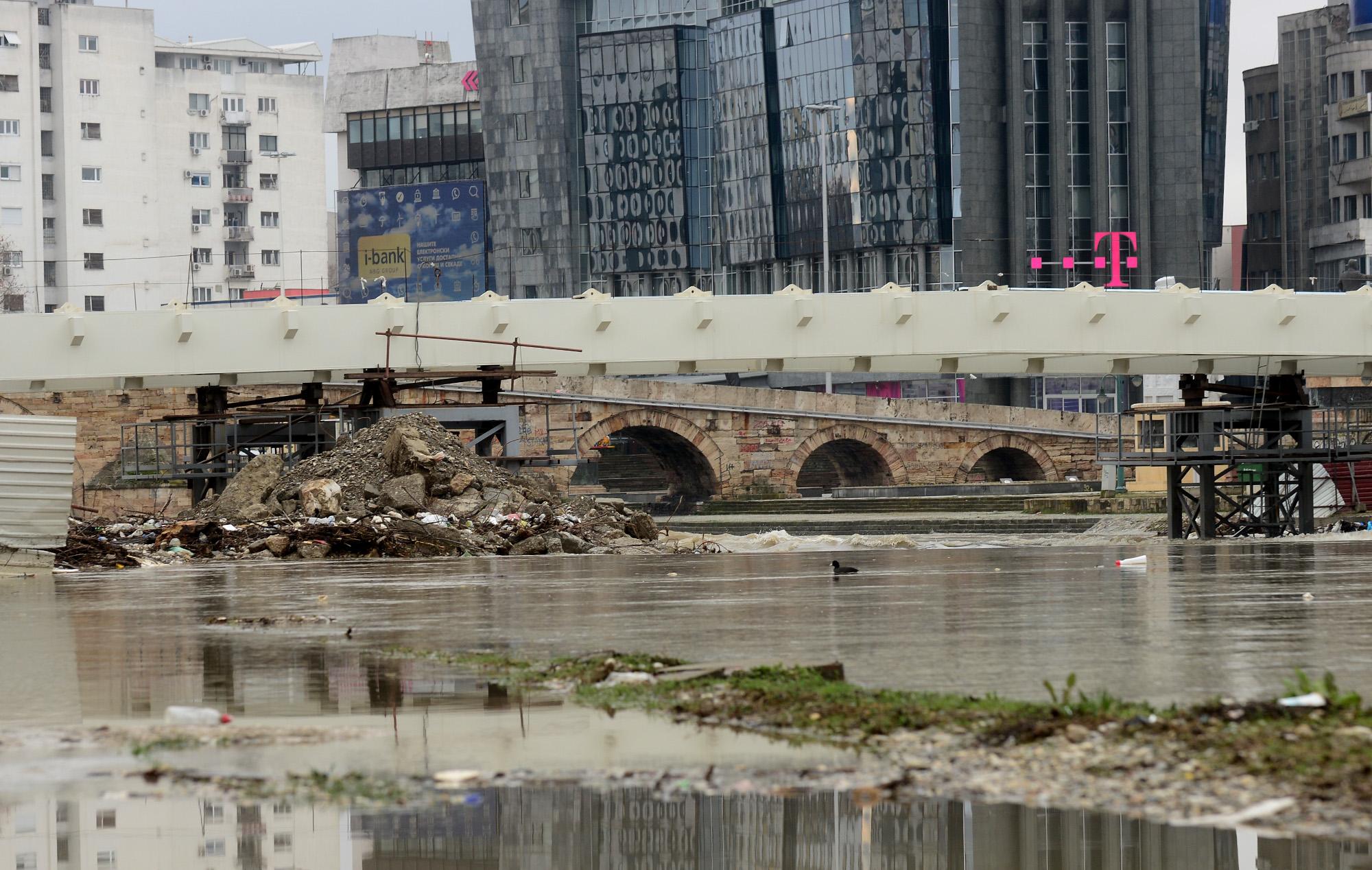 Активирани мерките за превенција од поплави (ФОТО)