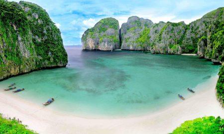 Тајландските власти ја затвораат познатата плажа од филмот со Ди Каприо