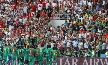 Навивачи на Јапонија и на Сенегал го чистеа стадионот по натпреварите