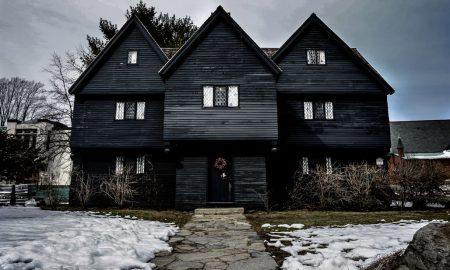 """Речиси милион долари за куќата на """"вештерката"""" од Салем"""